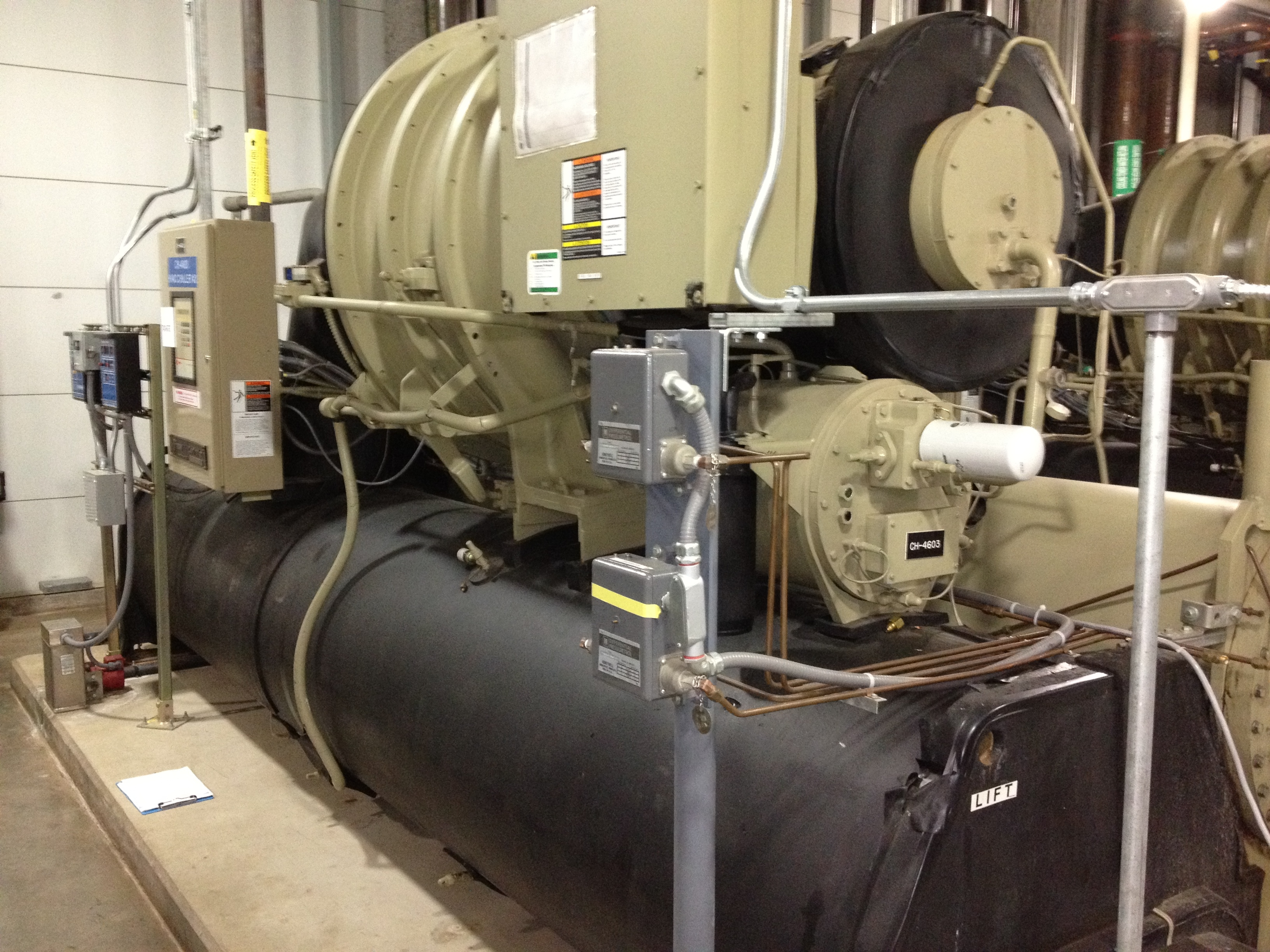 Home » Equipment » Chillers » Chillers » 450 Ton Trane Chiller #A99F22